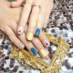 蓝色方圆形手绘日式黄色花朵波点跳色泫雅小复古风格美甲图片