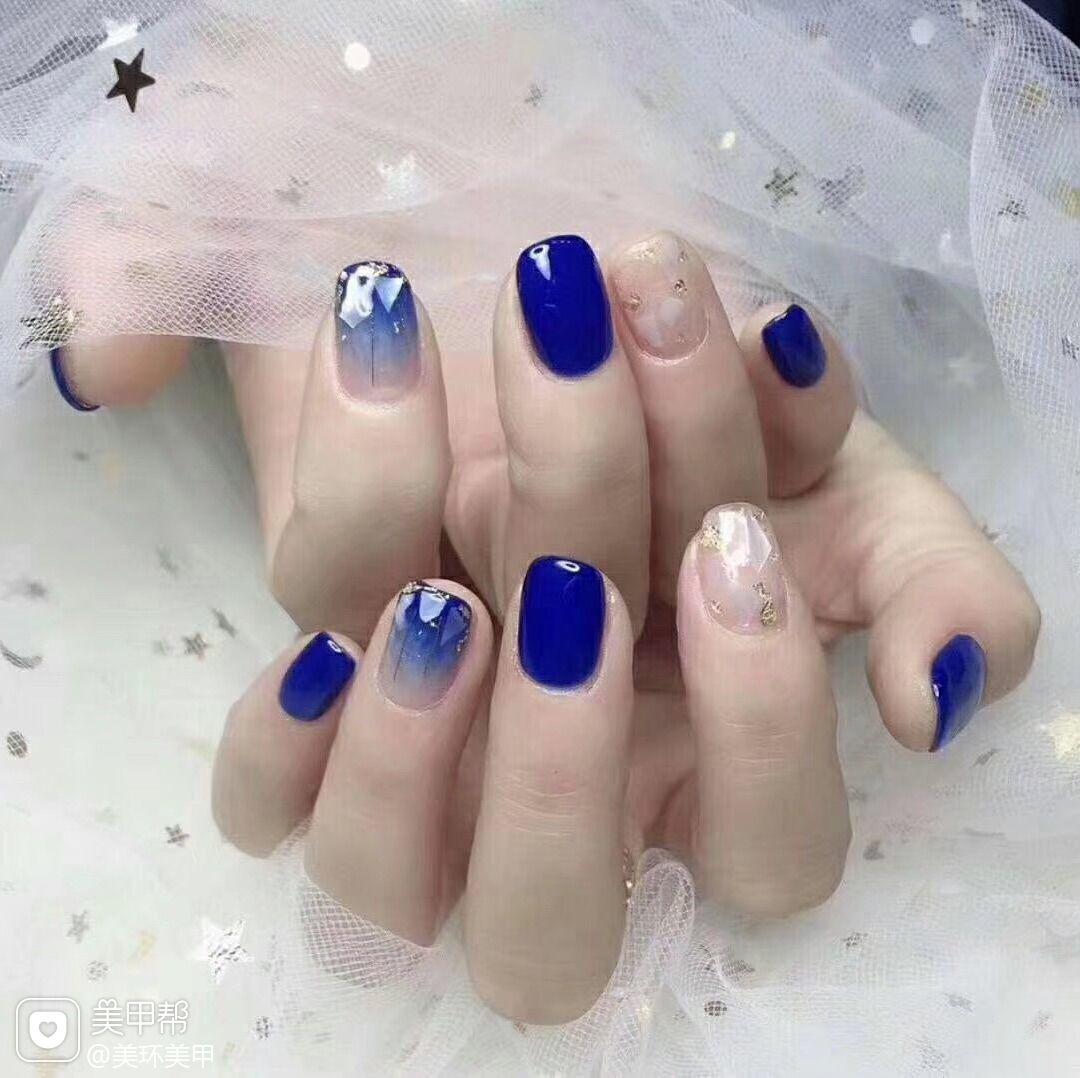蓝色方圆形美甲图片