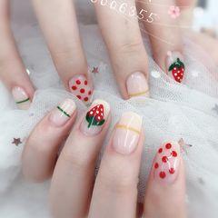 方圆形红色绿色手绘水果草莓线条波点美甲图片