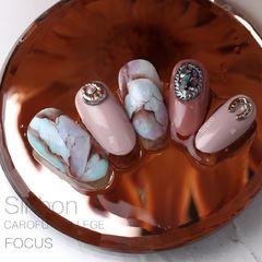 圆形日式手绘蓝色银色棕石纹饰品美甲图片