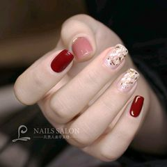 酒红色方圆形贝壳片简约金箔日式新娘美甲图片