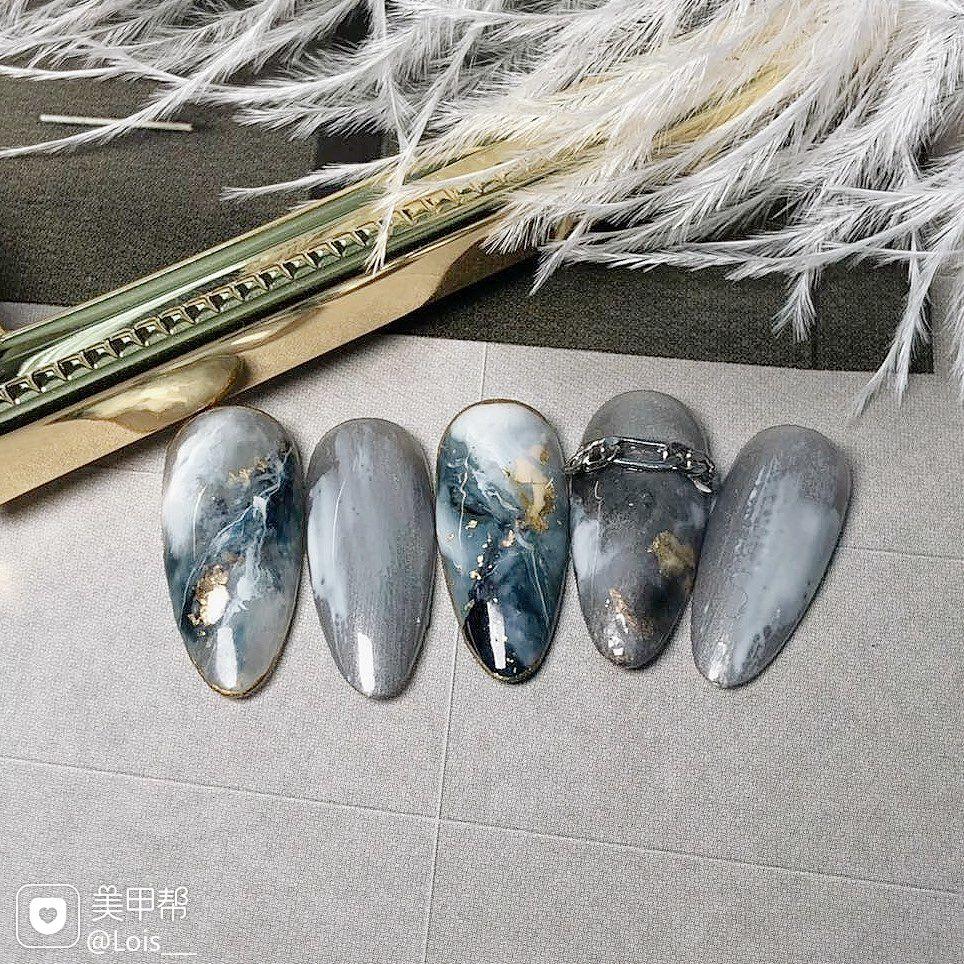 圆形日式手绘蓝色银色灰色晕染石纹大理石 晕染 石纹美甲图片