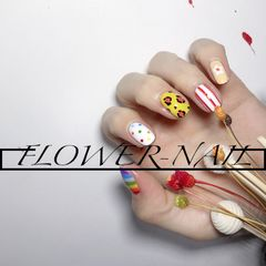 红色豹纹手绘白色黄色橙色波点彩虹美甲图片