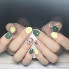 圆形黄色绿色手绘包边可爱跳色美甲图片