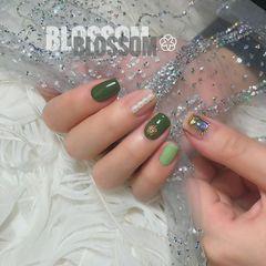 绿色方圆形钻日式简约珍珠美甲图片