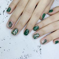 绿色贝壳片金箔美甲图片