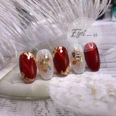 酒红色圆形新娘金箔猫眼贝壳片美甲图片
