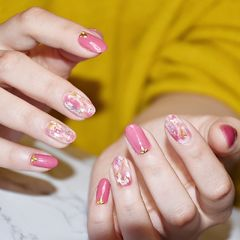 圆形日式晕染金箔贝壳片粉色美甲图片