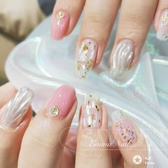 日式圆形粉色银色贝壳片水波纹金箔美甲图片