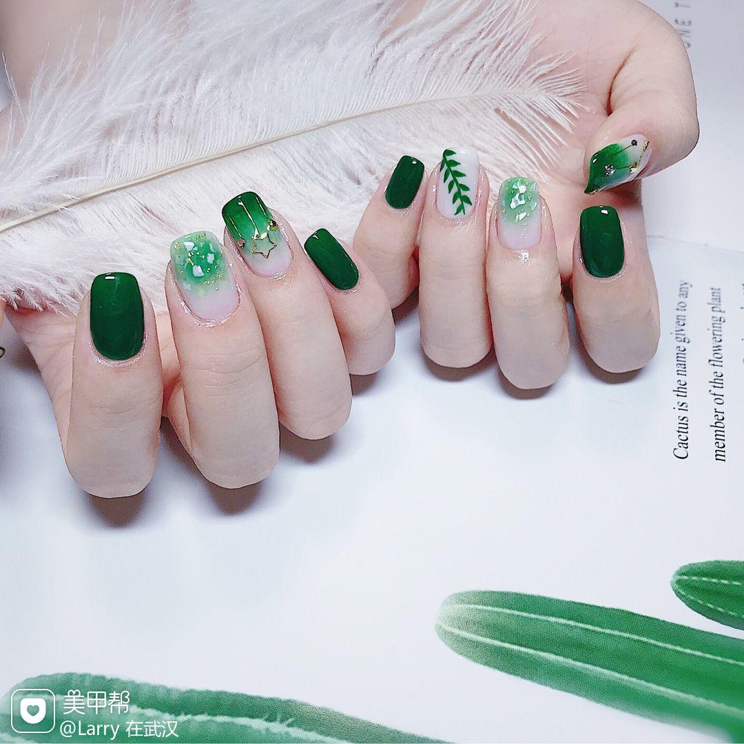 绿色方形渐变钻手绘日式美甲图片