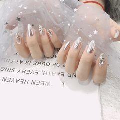 日式贝壳片晕染魔镜粉水波纹钻圆形银色美甲图片