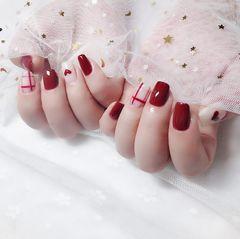红色方形简约格纹心形过年做的美甲💅 美美哒美甲图片
