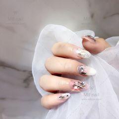圆形白色钻贝壳片日式美甲图片