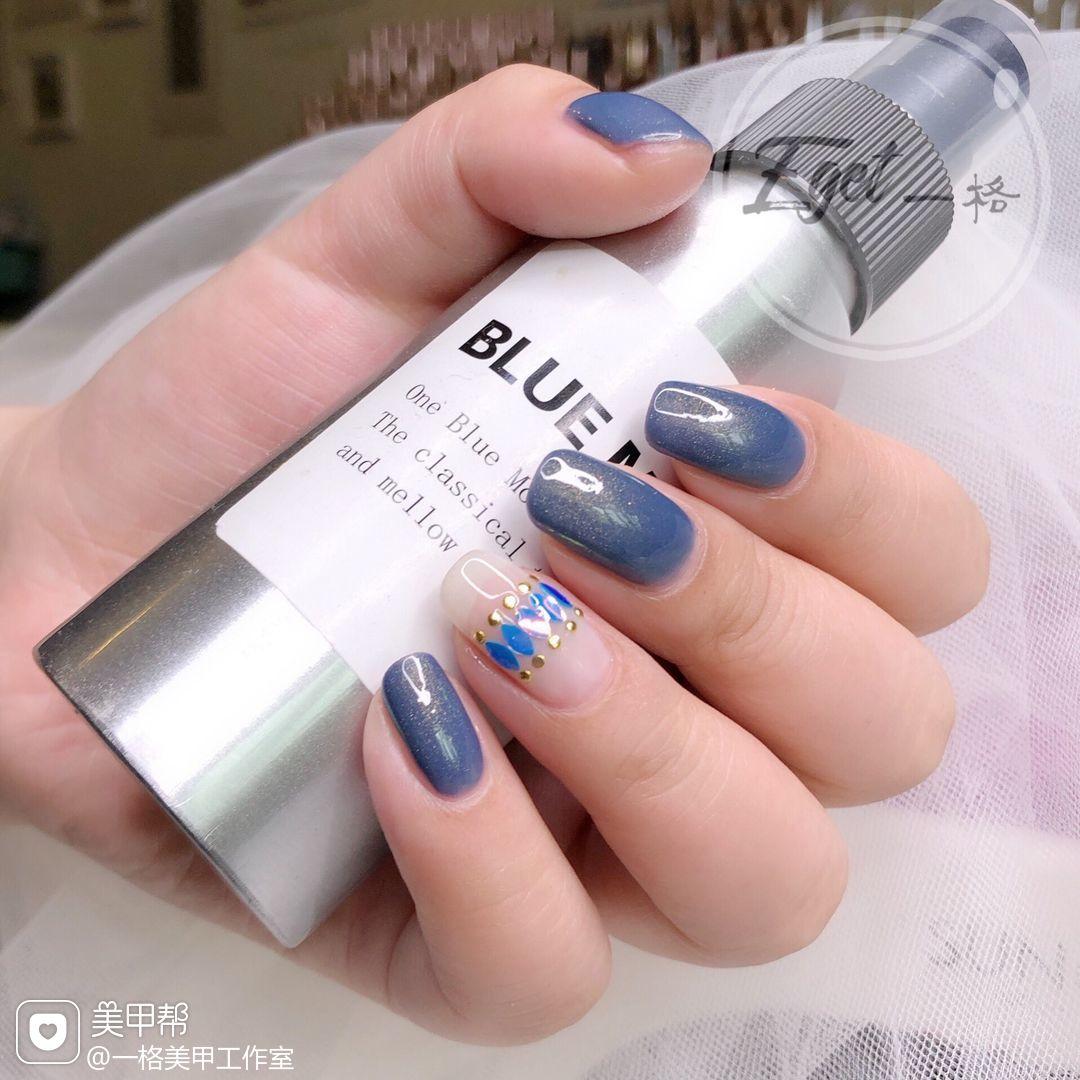 蓝色方圆形日式简约上班族美甲图片