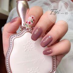 方圆形手绘上班族新娘粉色樱桃美甲图片