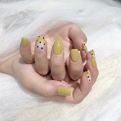 方圆形波点姜黄色美甲图片