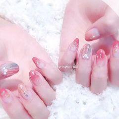 渐变日式圆形粉色贝壳珍珠美甲图片