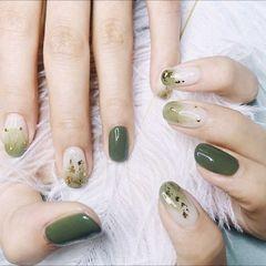 绿色圆形金箔渐变美甲图片