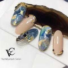 蓝色圆形晕染金箔日式贝壳片听,海的声音美甲图片