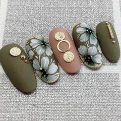 圆形绿色豆沙色手绘花朵金属饰品日式磨砂美甲图片