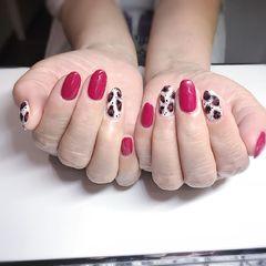 红色圆形豹纹美甲图片