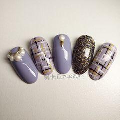 圆形紫色手绘毛呢珍珠美甲图片