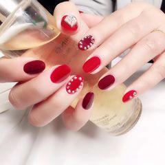 红色圆形钻磨砂珍珠美甲图片