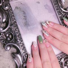 圆形绿色白色手绘晕染日式美甲图片
