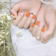 橙色方圆形花朵手绘春天网红干花美甲图片