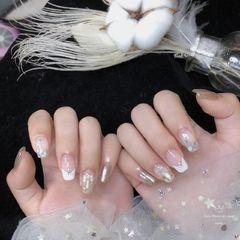 方圆形夏天新娘金箔贝壳片镜面倒V法式美甲图片