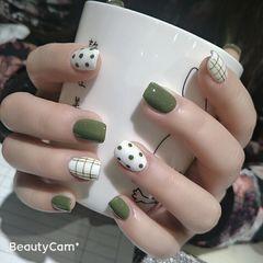 绿色方圆形简约格纹波点美美哒 清爽型美甲图片