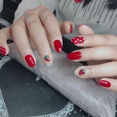 圆形红色手绘草莓波点夏天美甲图片