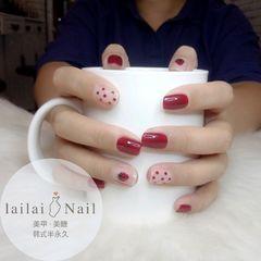 红色水果波点草莓方圆形美甲图片