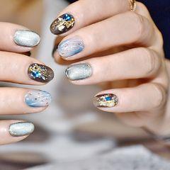 蓝色圆形短指甲简约夏天猫眼美甲图片
