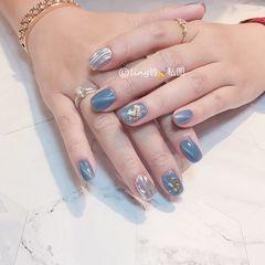 蓝色方圆形水波纹金箔贝壳片猫眼美甲图片