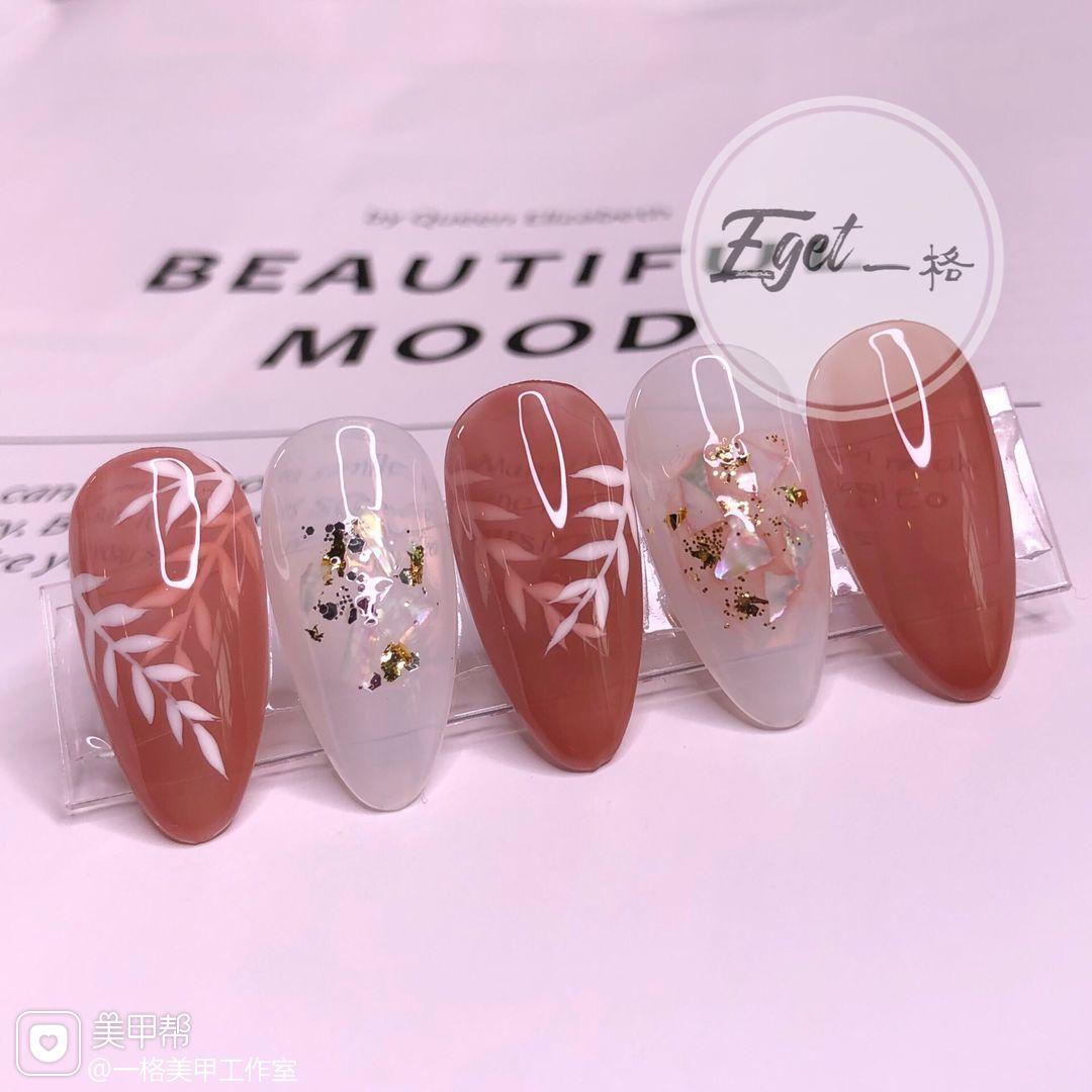 橙色尖形夏天简约花朵日式树叶贝壳片金箔美甲图片