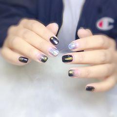 方圆形短指甲渐变镭射黑色银色金属饰品美甲图片