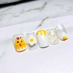 黄色方形夏天手绘波点鸡蛋可爱美甲图片