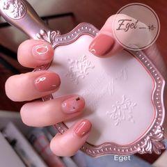 方圆形晕染短指甲夏天简约上班族金箔粉色美甲图片