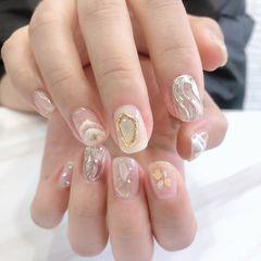 方圆形贝壳片金箔新娘夏天水波纹手绘晕染美甲图片