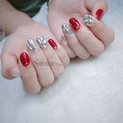 银色水波纹新娘圆形红色钻美甲图片