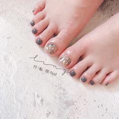 脚夏天简约贝壳片金箔晕染灰色美甲图片