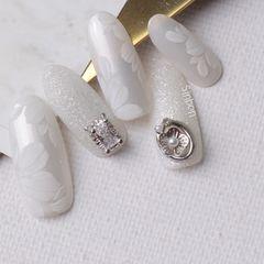 银色尖形新娘美甲图片