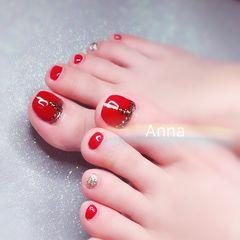 脚部红色银色钻跳色显白新娘美甲图片