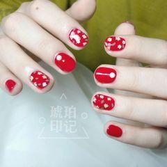 红色圆形花朵简约短指甲显白美甲图片