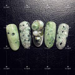 夏天晕染圆形绿色珍珠日式美甲图片