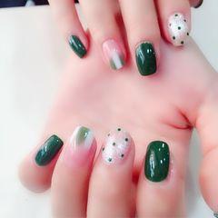 绿色方圆形波点晕染手绘白色夏天美甲图片