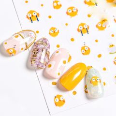 黄色夏天短指甲简约圆形贴纸可爱小鸡仔!美甲图片
