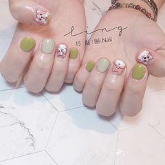 绿色圆形夏天短指甲简约手绘小狗可爱美甲图片