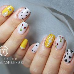 方圆形黄色白色波点手绘樱桃珍珠减龄波点➕豹纹奶牛块🐄美甲图片